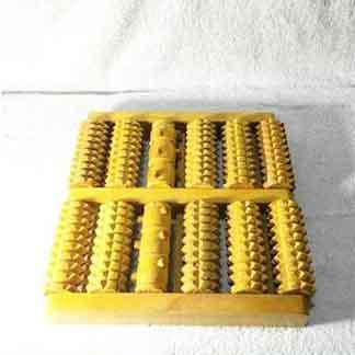 bàn lăn chân gỗ